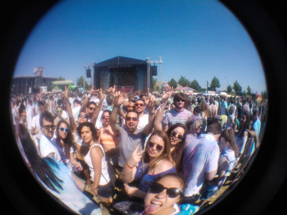 Fisheye_Holi_Crowd