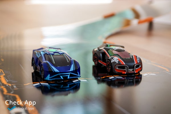 Anki_Overdrive_Supercars_03