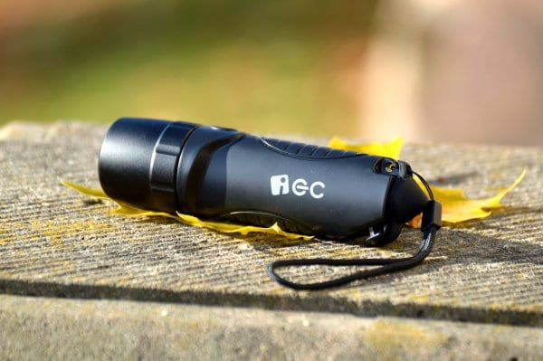 ec_technology_taschenlampe_liegend