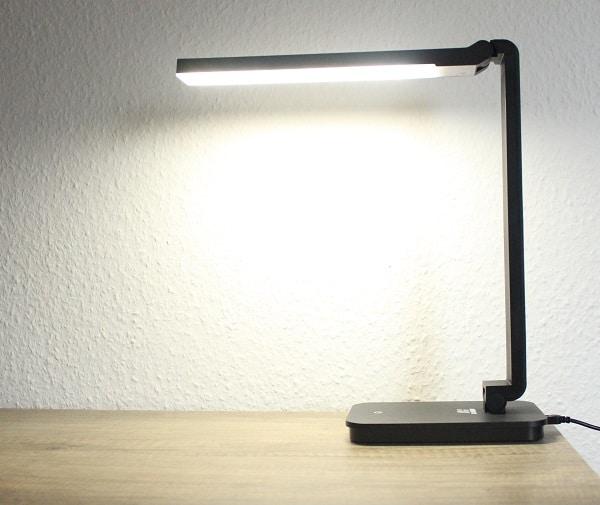 taotronics led tischlampe im test check app. Black Bedroom Furniture Sets. Home Design Ideas