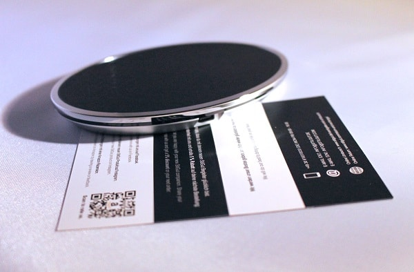 induktives laden am qi wireless charger von stilgut. Black Bedroom Furniture Sets. Home Design Ideas